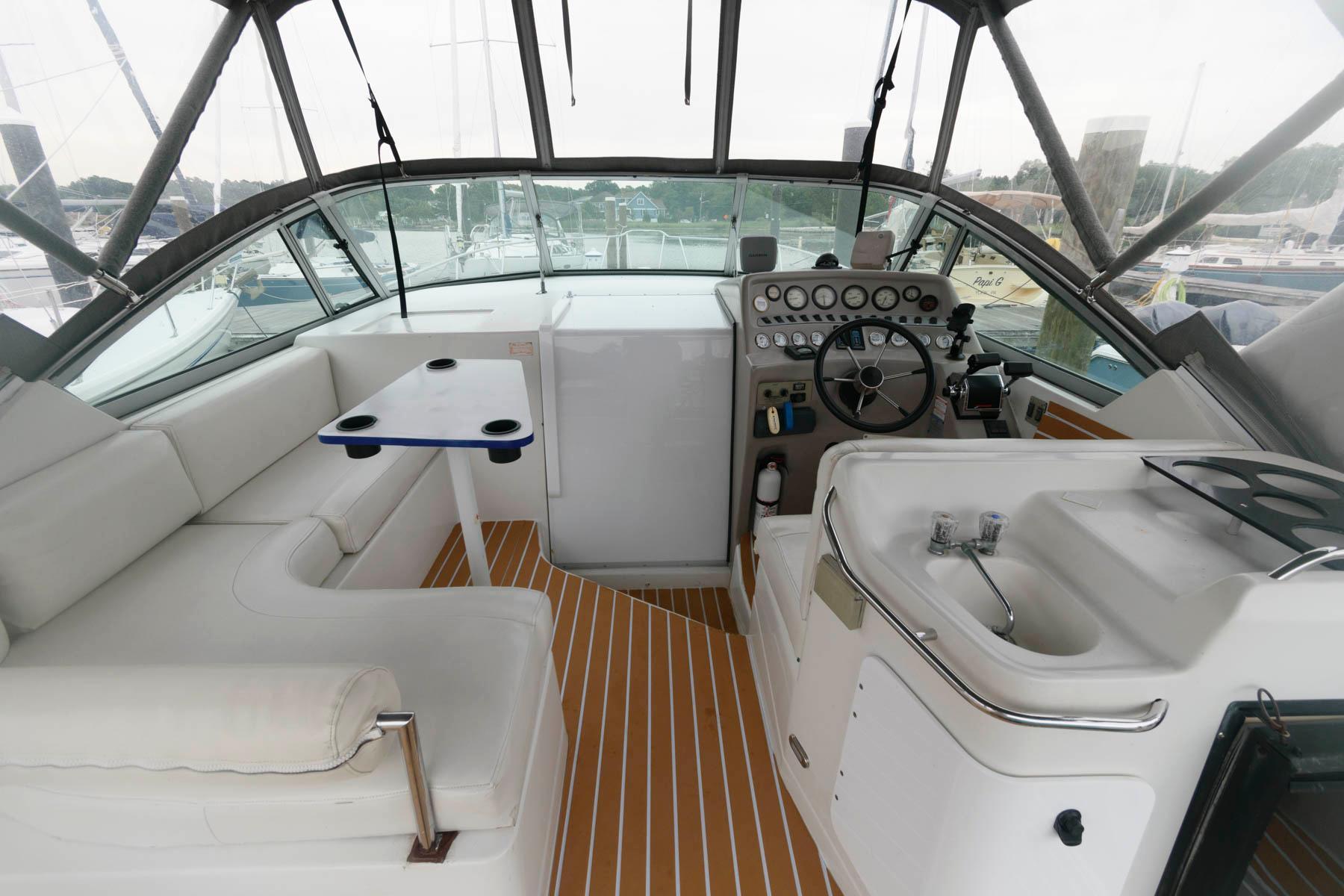 M 6443 KB Knot 10 Yacht Sales