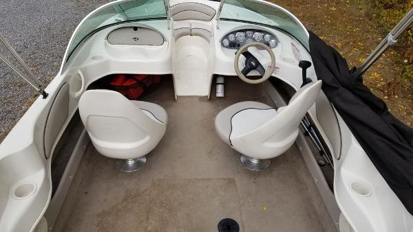 2003 Sea Ray boat for sale, model of the boat is 17' BR & Image # 9 of 16