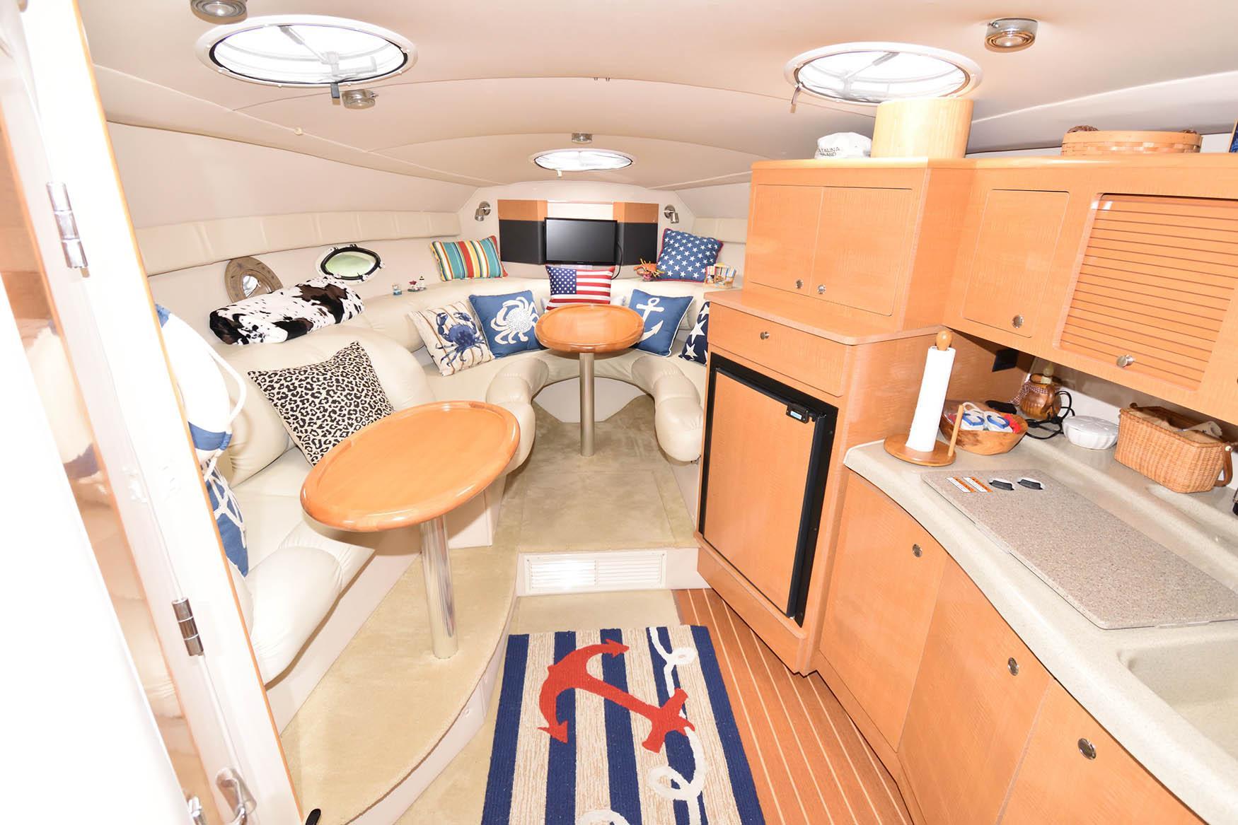 M 5709 BD Knot 10 Yacht Sales