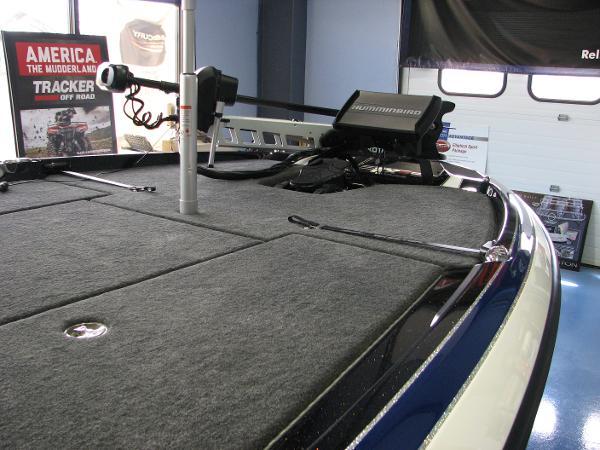 2021 Skeeter boat for sale, model of the boat is FXR20 LE & Image # 4 of 17