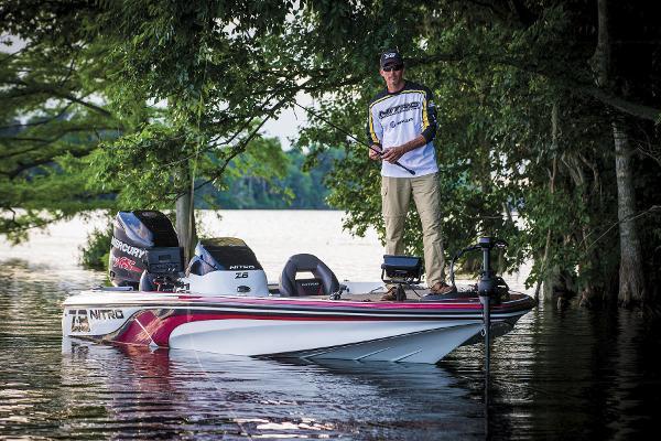 2015 Nitro boat for sale, model of the boat is Z-8 & Image # 2 of 23