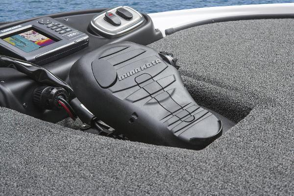 2015 Nitro boat for sale, model of the boat is Z-8 & Image # 14 of 23