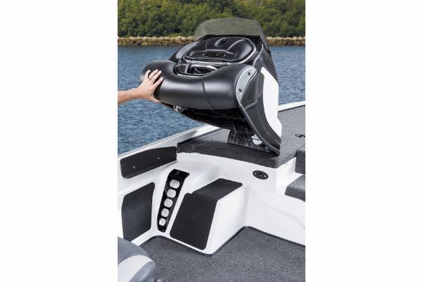 2015 Nitro boat for sale, model of the boat is Z-8 & Image # 17 of 23