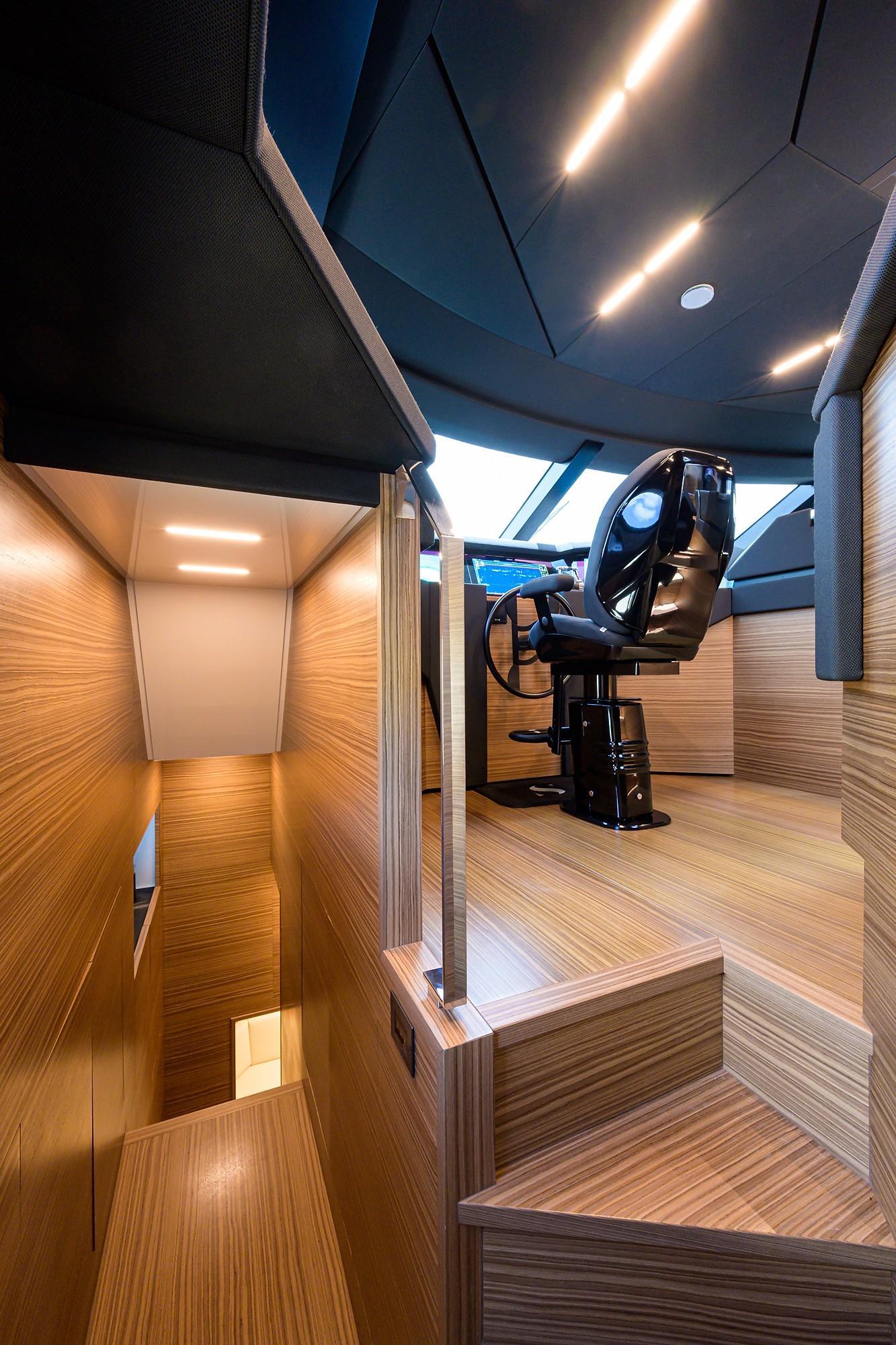 2018 Ferretti 92' ''S'' - Pilothouse