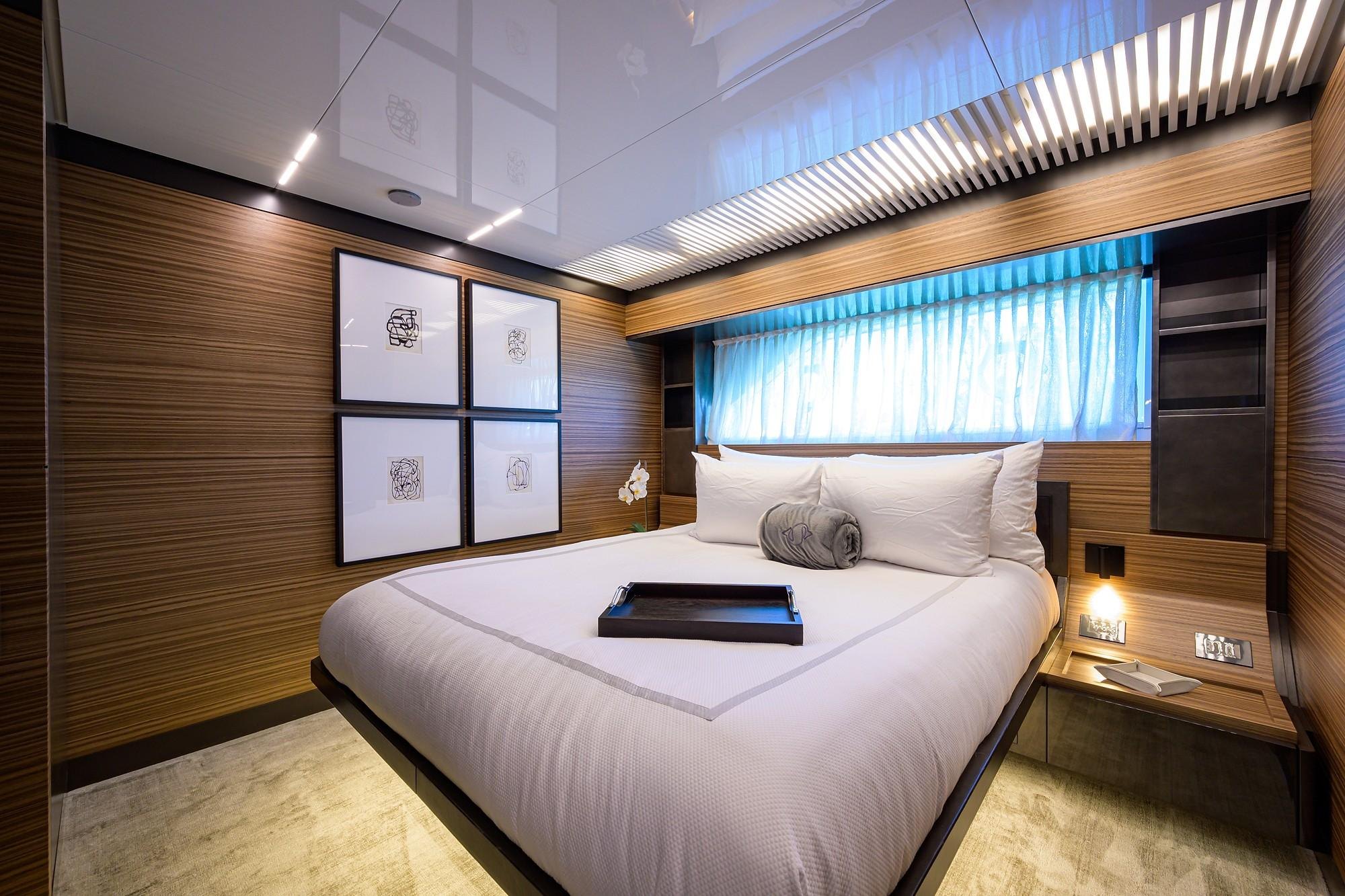 2018 Ferretti 92' ''S'' - Aft Port Guest Stateroom