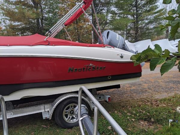 2017 Nautic Star boat for sale, model of the boat is 20' SC & Image # 9 of 12