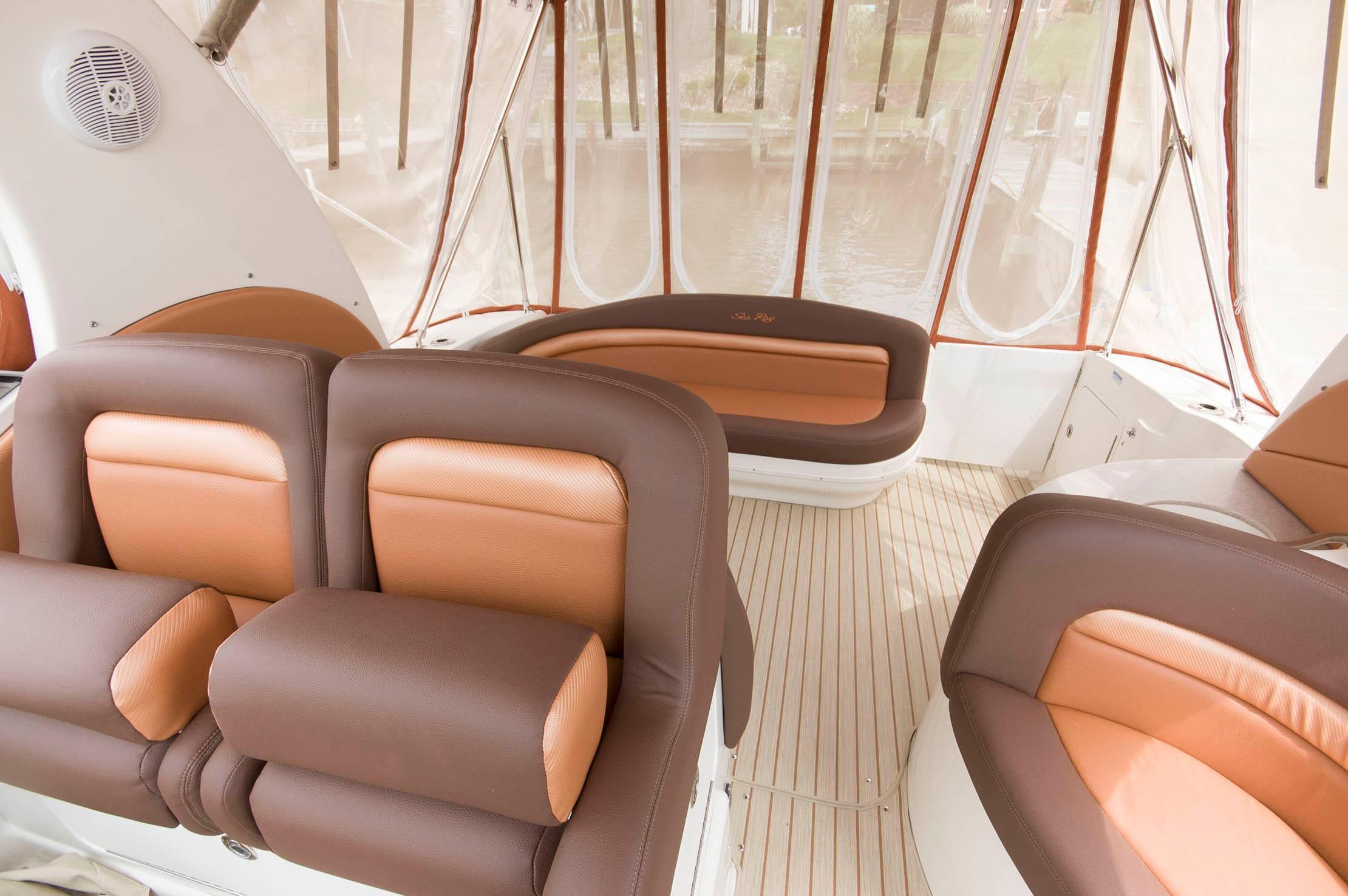 M 5440 WT Knot 10 Yacht Sales