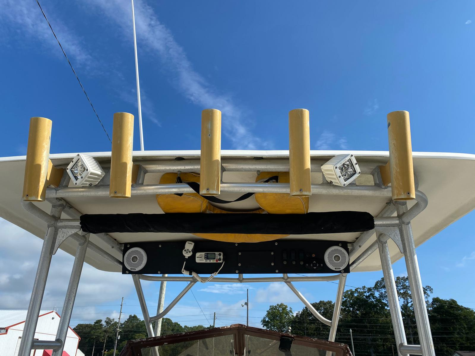 1989 Mako boat for sale, model of the boat is 260 Walkaround Boat & Image # 11 of 15