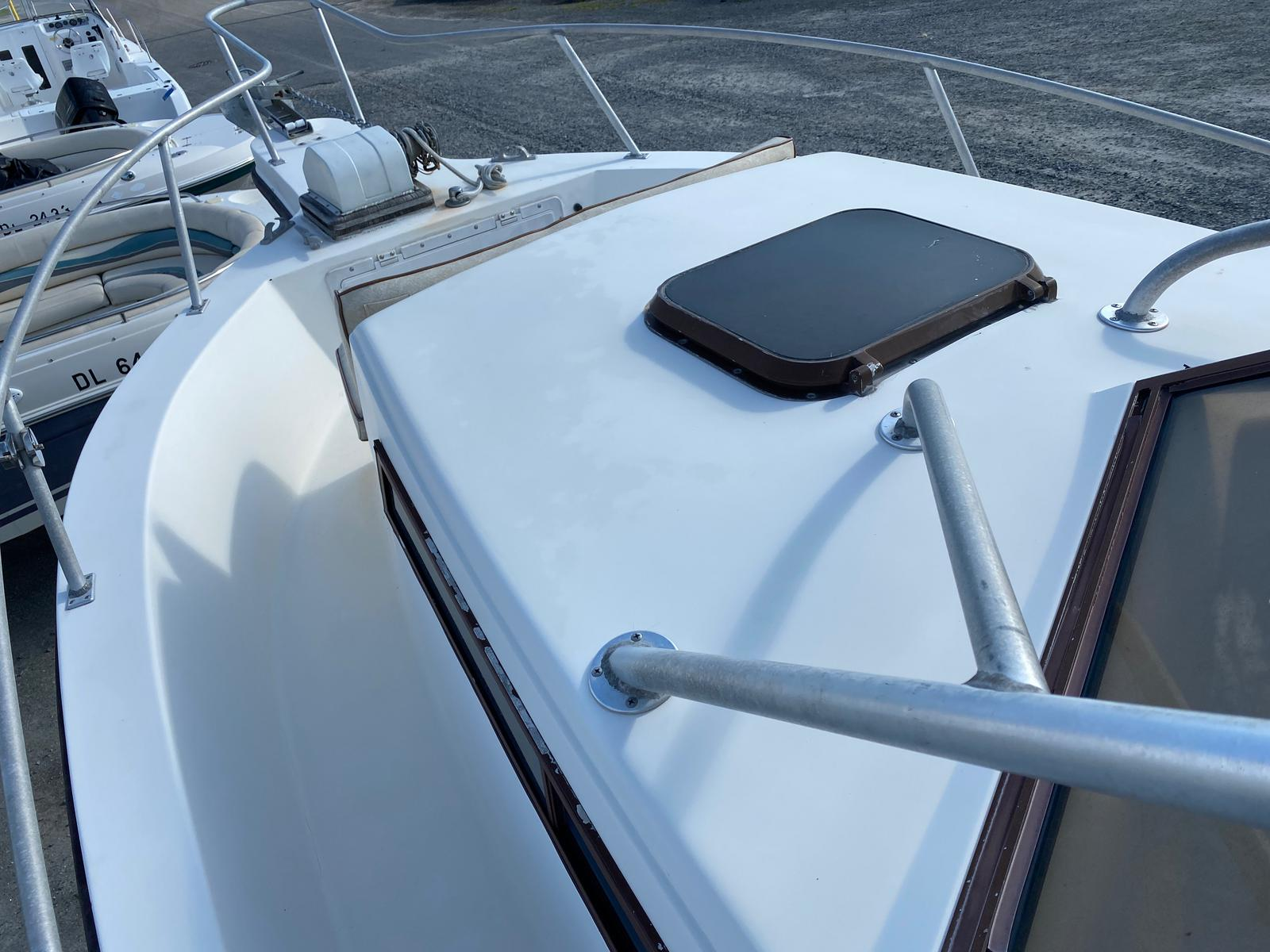 1989 Mako boat for sale, model of the boat is 260 Walkaround Boat & Image # 8 of 15