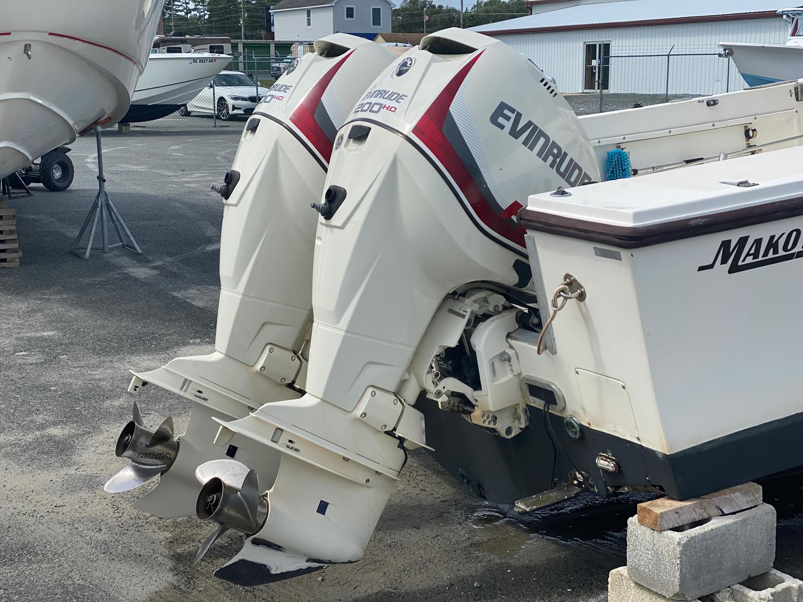 1989 Mako boat for sale, model of the boat is 260 Walkaround Boat & Image # 9 of 15