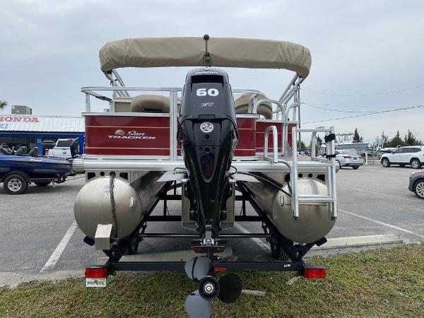 2021 Sun Tracker boat for sale, model of the boat is BASS BUGGY® 18 DLX & Image # 7 of 9