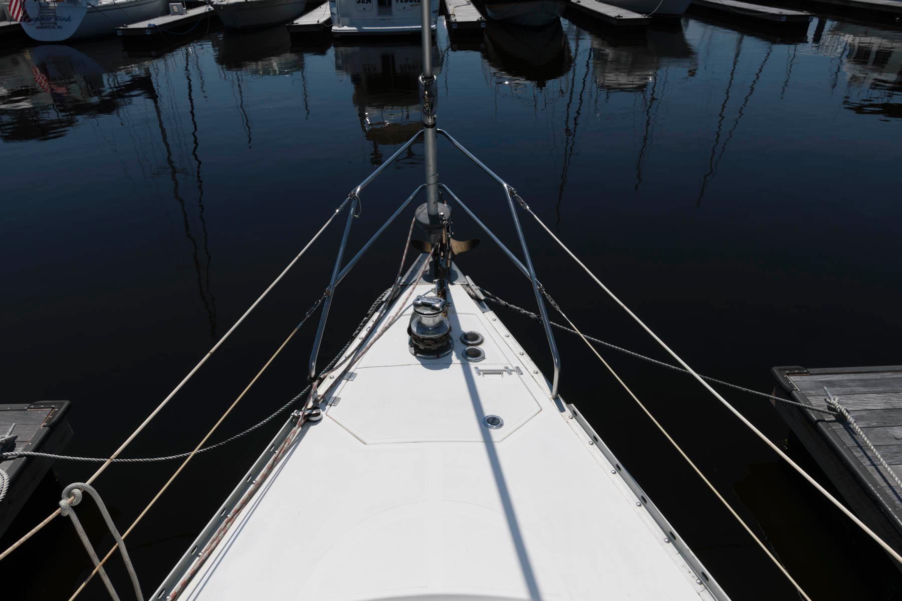 M 6228 PH Knot 10 Yacht Sales