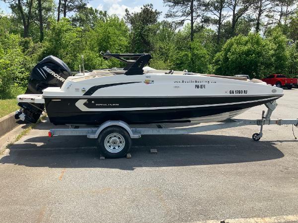 2018 Bayliner boat for sale, model of the boat is 190 Deck Boat & Image # 3 of 10