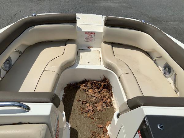 2018 Bayliner boat for sale, model of the boat is 190 Deck Boat & Image # 7 of 10
