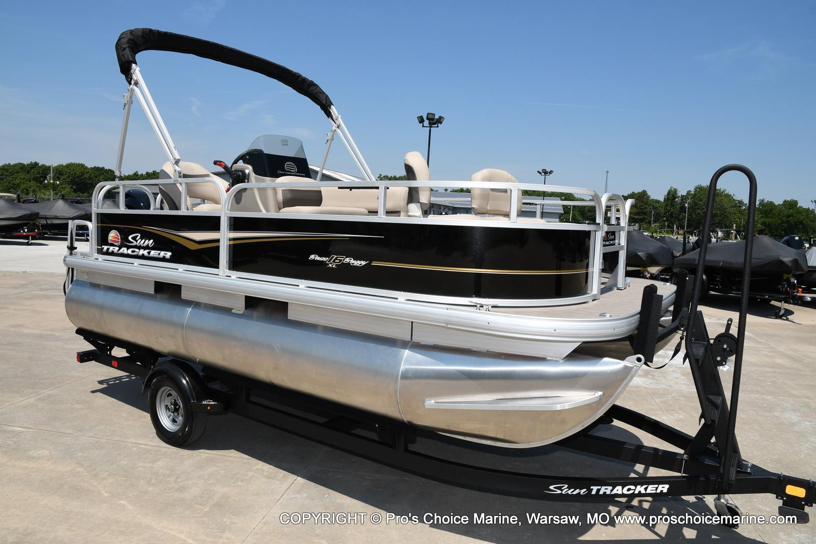 2021 Sun Tracker boat for sale, model of the boat is Bass Buggy 16 XL & Image # 11 of 43