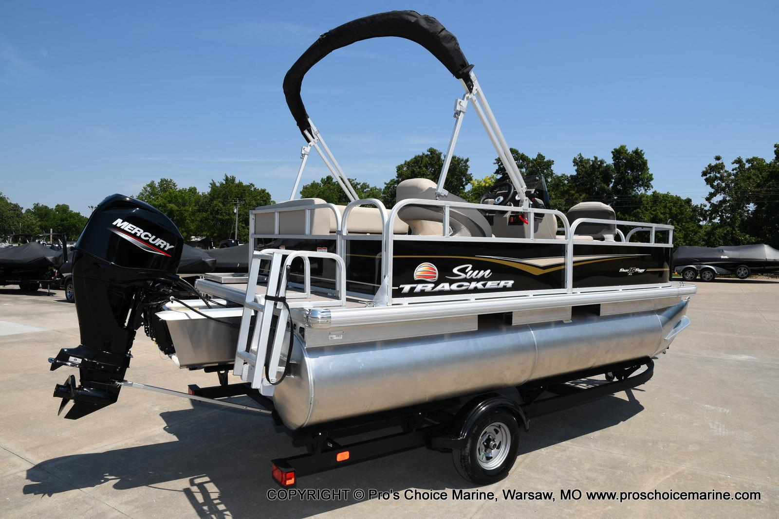 2021 Sun Tracker boat for sale, model of the boat is Bass Buggy 16 XL & Image # 26 of 43