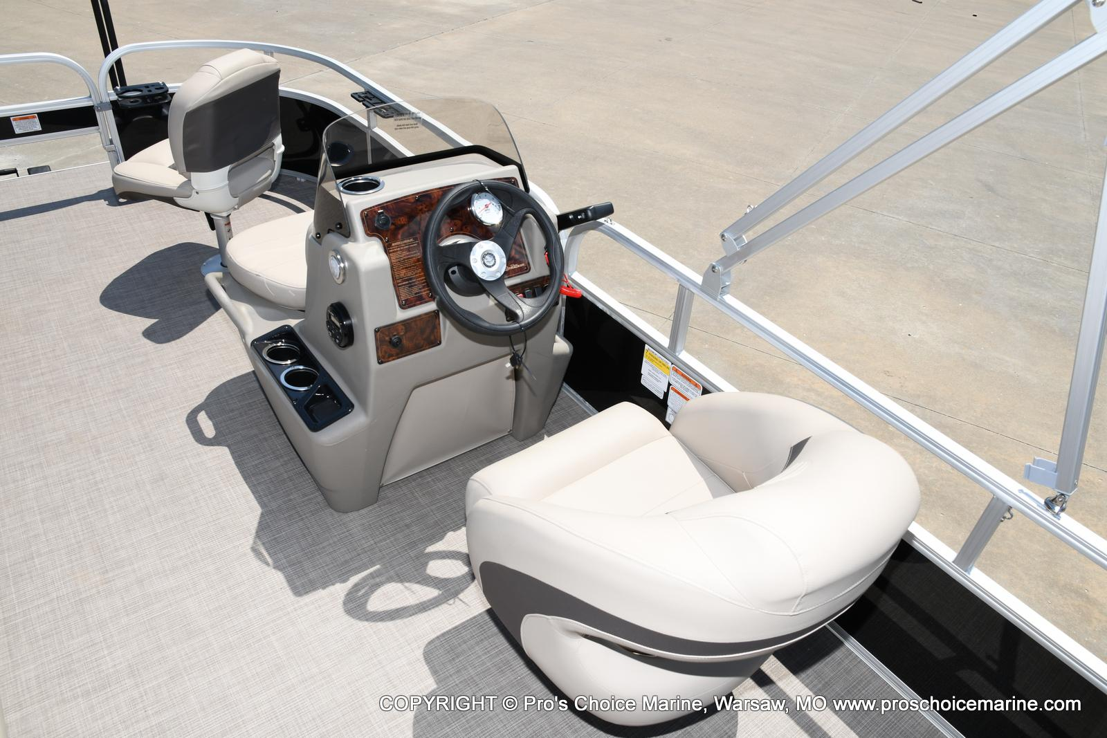 2021 Sun Tracker boat for sale, model of the boat is Bass Buggy 16 XL & Image # 38 of 43