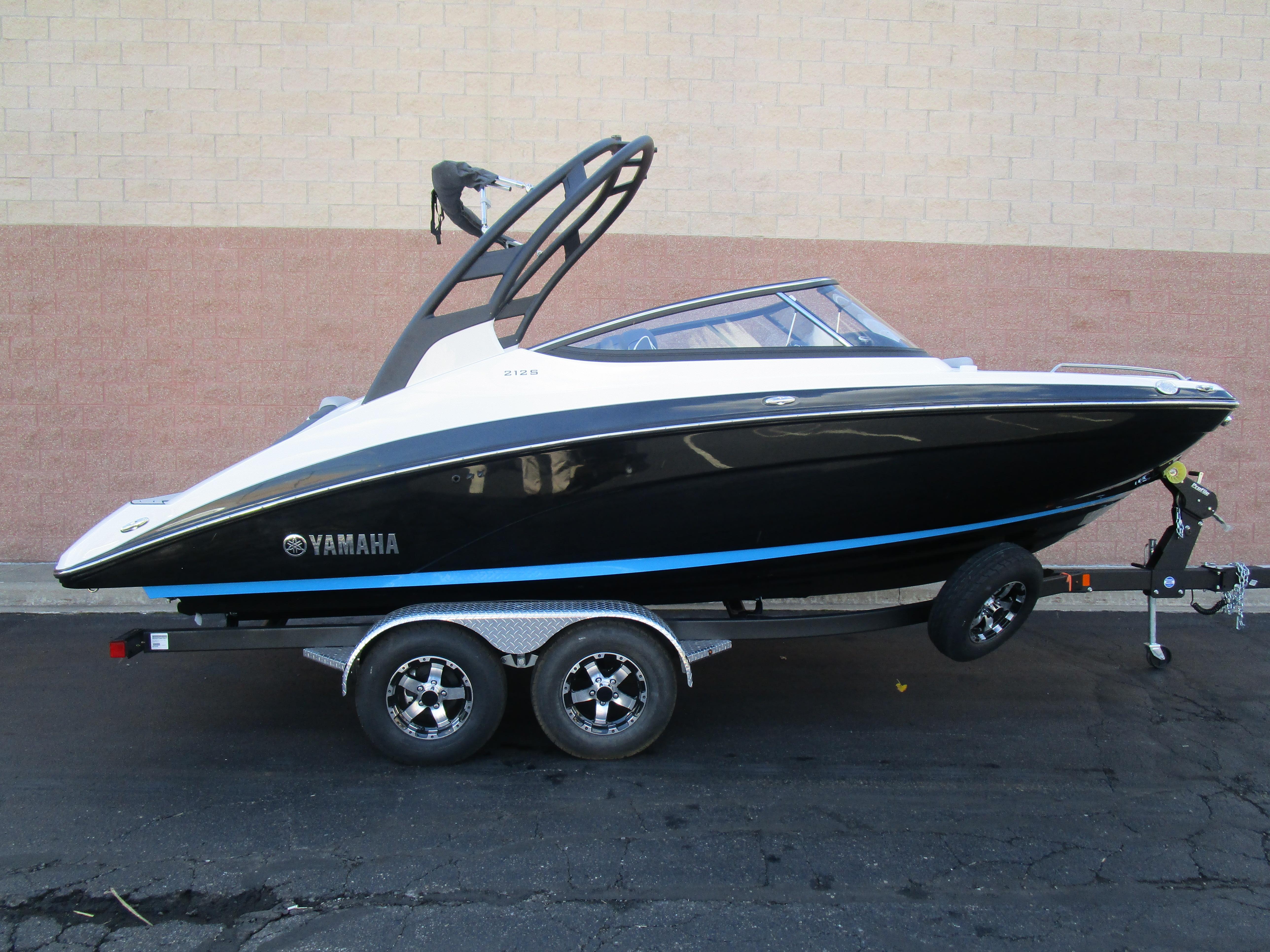 Yamaha Boats212S
