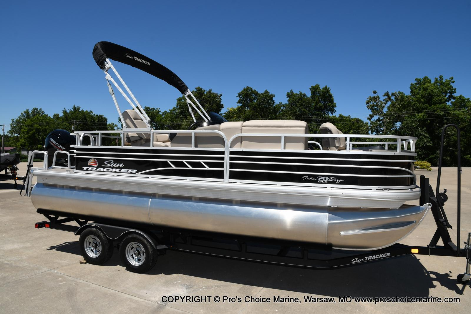 2021 Sun Tracker boat for sale, model of the boat is Fishin' Barge 20 DLX & Image # 18 of 50