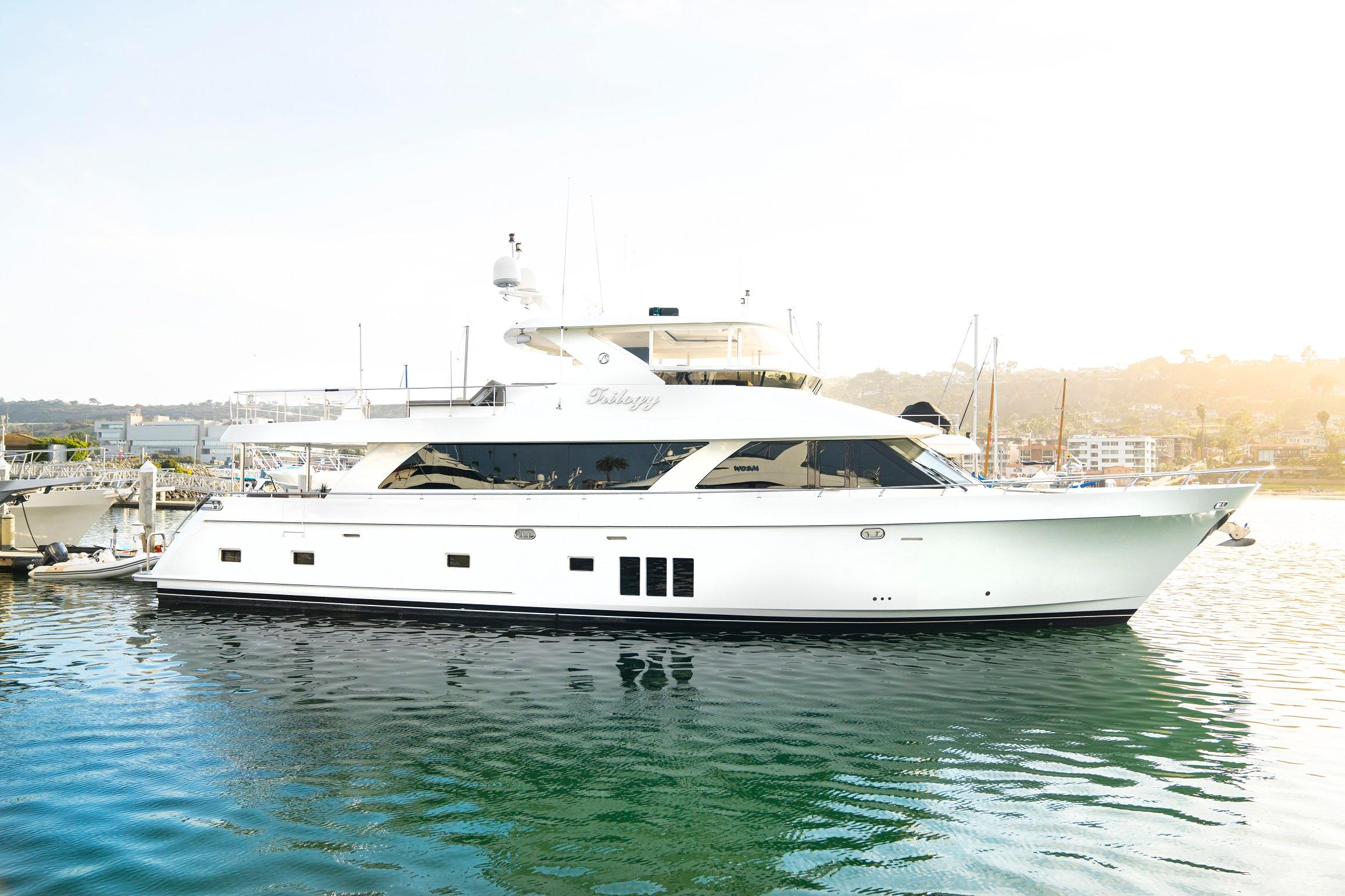 2012 Ocean Alexander 85E
