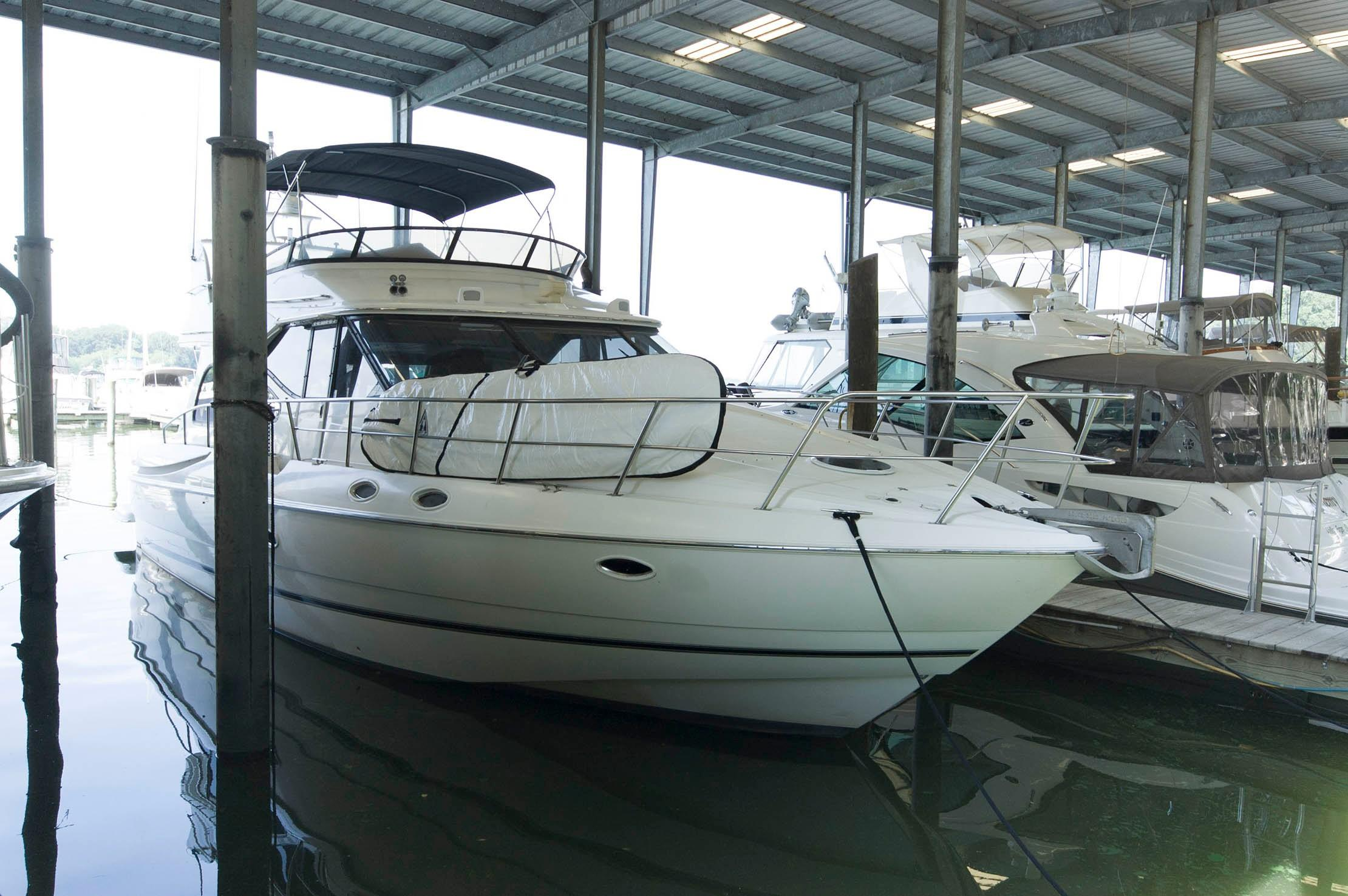 M 4590 EF Knot 10 Yacht Sales