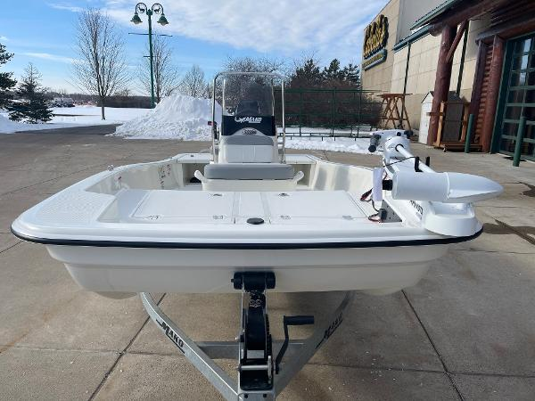 2021 Mako boat for sale, model of the boat is Pro Skiff 15 CC & Image # 3 of 46