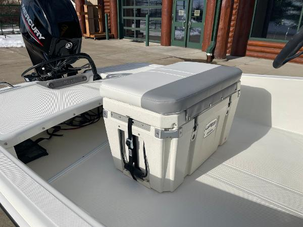 2021 Mako boat for sale, model of the boat is Pro Skiff 15 CC & Image # 12 of 46