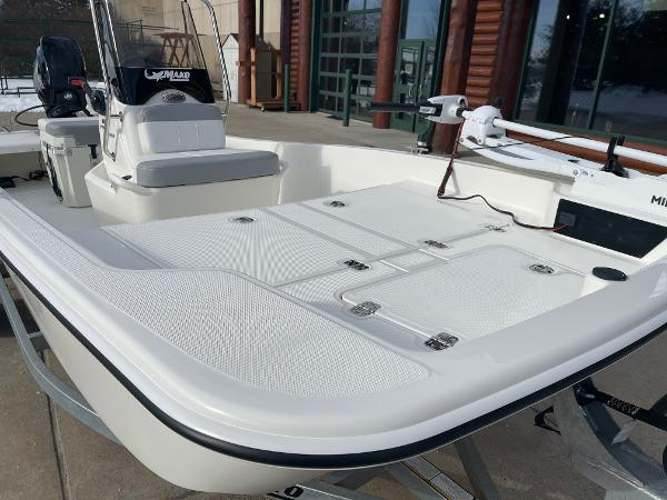 2021 Mako boat for sale, model of the boat is Pro Skiff 15 CC & Image # 15 of 46