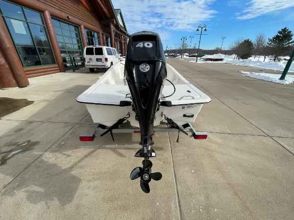 2021 Mako boat for sale, model of the boat is Pro Skiff 15 CC & Image # 9 of 46