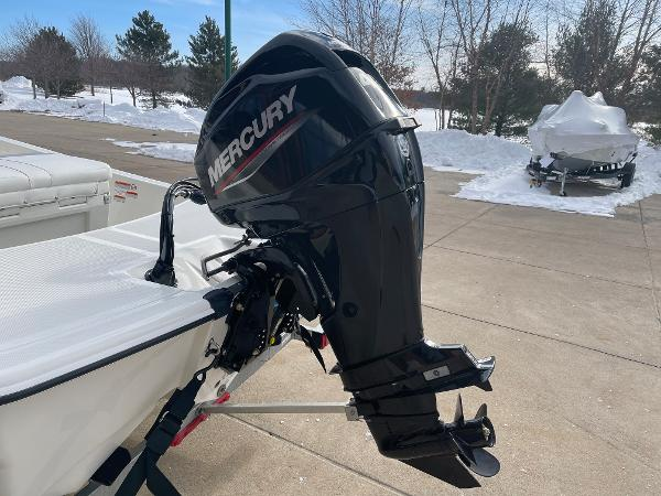 2021 Mako boat for sale, model of the boat is Pro Skiff 15 CC & Image # 10 of 46