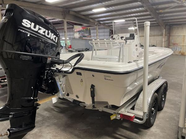 2021 Blue Wave boat for sale, model of the boat is 2200CLASSIC & Image # 3 of 10