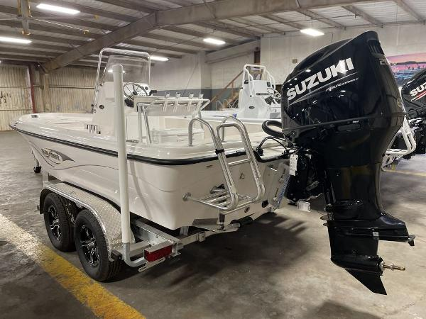 2021 Blue Wave boat for sale, model of the boat is 2200CLASSIC & Image # 5 of 10
