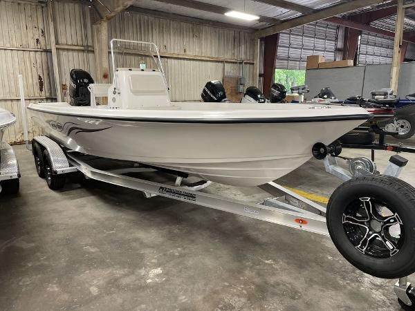 2021 Blue Wave boat for sale, model of the boat is 2200CLASSIC & Image # 1 of 10