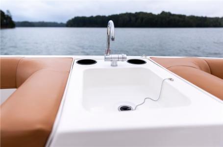 2021 Bayliner boat for sale, model of the boat is DX2000 & Image # 4 of 6
