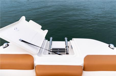2021 Bayliner boat for sale, model of the boat is DX2000 & Image # 5 of 6
