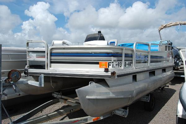 1992 Sun Tracker boat for sale, model of the boat is BB18 & Image # 1 of 9