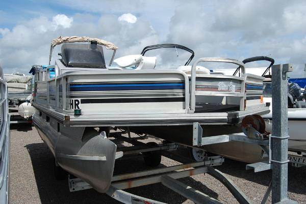 1992 Sun Tracker boat for sale, model of the boat is BB18 & Image # 2 of 9