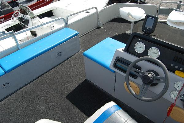 1992 Sun Tracker boat for sale, model of the boat is BB18 & Image # 6 of 9