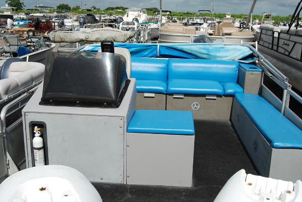 1992 Sun Tracker boat for sale, model of the boat is BB18 & Image # 9 of 9
