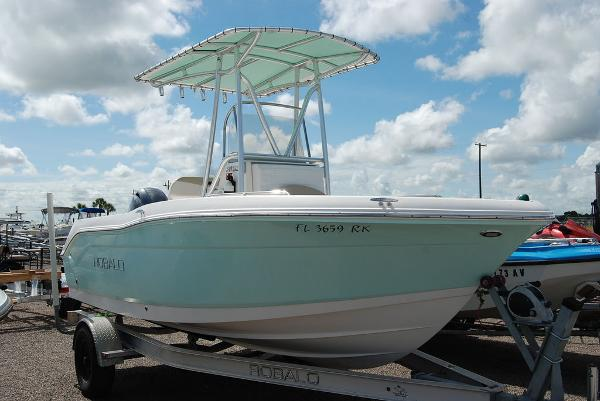 2017 Robalo boat for sale, model of the boat is R180 & Image # 1 of 12