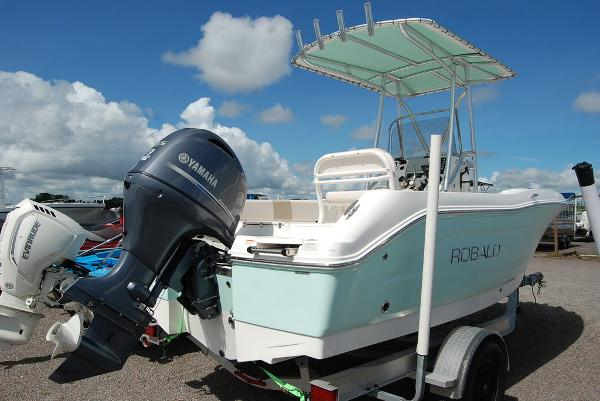 2017 Robalo boat for sale, model of the boat is R180 & Image # 5 of 12
