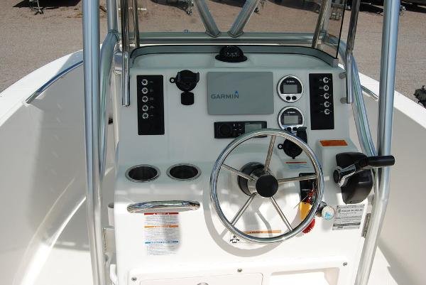 2017 Robalo boat for sale, model of the boat is R180 & Image # 7 of 12