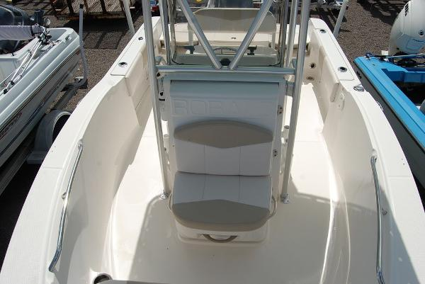 2017 Robalo boat for sale, model of the boat is R180 & Image # 10 of 12