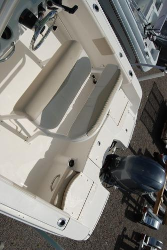 2017 Robalo boat for sale, model of the boat is R180 & Image # 12 of 12