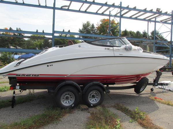 2021 Yamaha boat for sale, model of the boat is SX210 & Image # 5 of 22