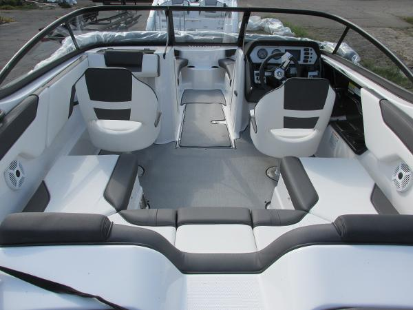 2021 Yamaha boat for sale, model of the boat is SX210 & Image # 7 of 22