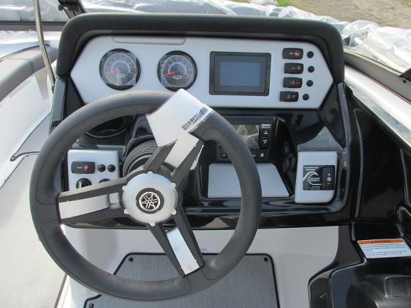 2021 Yamaha boat for sale, model of the boat is SX210 & Image # 8 of 22