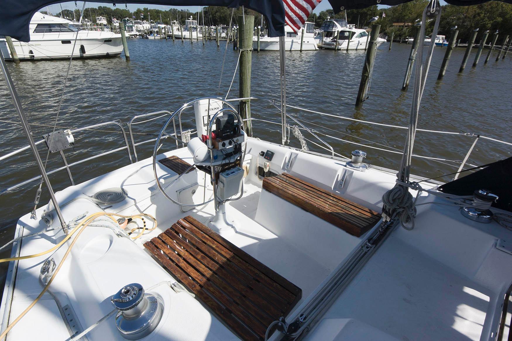 M 6239 JB Knot 10 Yacht Sales