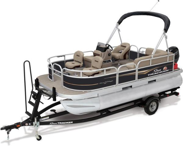 2021 Sun Tracker boat for sale, model of the boat is Bass Buggy® 16 XL Select & Image # 1 of 1
