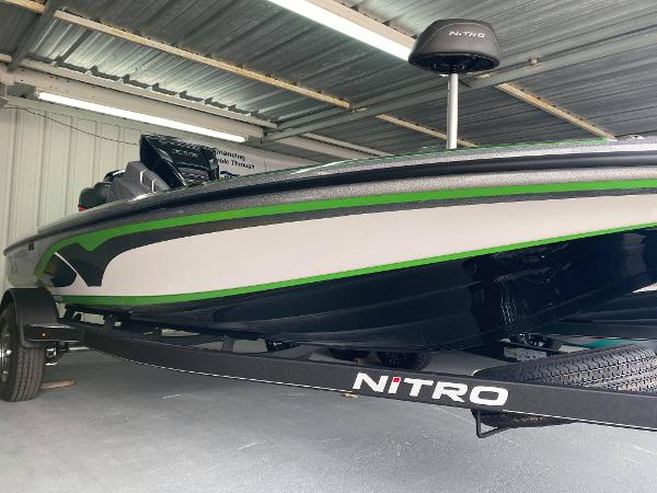 2021 Nitro boat for sale, model of the boat is Z18 & Image # 4 of 6